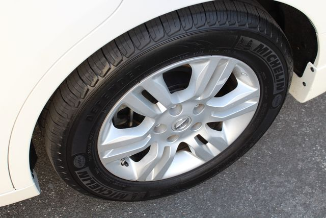 2011 Nissan ALTIMA HYBRID SEDAN 2.5L 1-OWNER NEW TIRES SERVICE RECORDS GAS SAVER! Woodland Hills, CA 14