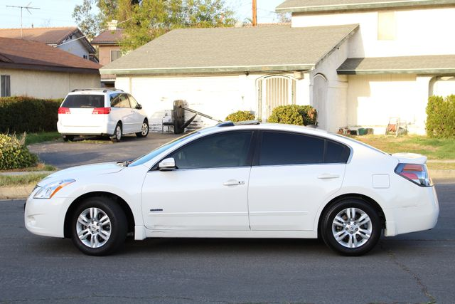 2011 Nissan ALTIMA HYBRID SEDAN 2.5L 1-OWNER NEW TIRES SERVICE RECORDS GAS SAVER! Woodland Hills, CA 2