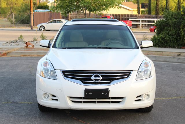 2011 Nissan ALTIMA HYBRID SEDAN 2.5L 1-OWNER NEW TIRES SERVICE RECORDS GAS SAVER! Woodland Hills, CA 9