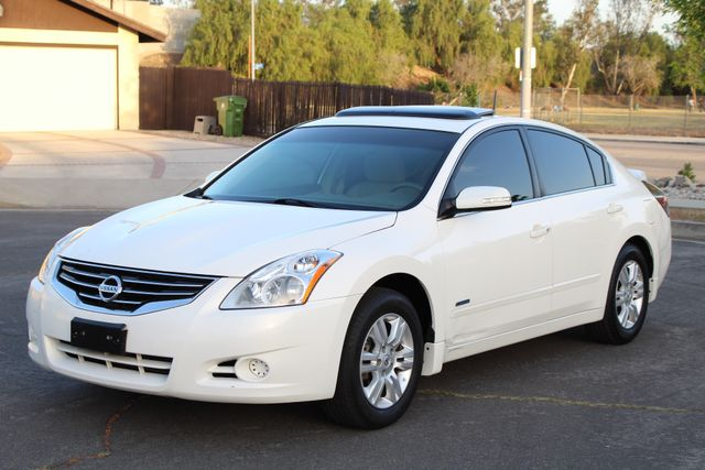 2011 Nissan ALTIMA HYBRID SEDAN 2.5L 1-OWNER NEW TIRES SERVICE RECORDS GAS SAVER! Woodland Hills, CA 41