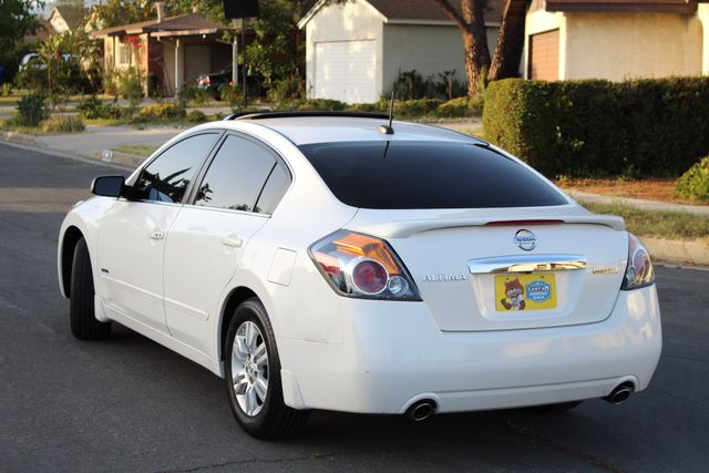 2011 Nissan ALTIMA HYBRID SEDAN 2.5L 1-OWNER NEW TIRES SERVICE RECORDS GAS SAVER! Woodland Hills, CA 3