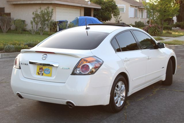 2011 Nissan ALTIMA HYBRID SEDAN 2.5L 1-OWNER NEW TIRES SERVICE RECORDS GAS SAVER! Woodland Hills, CA 5