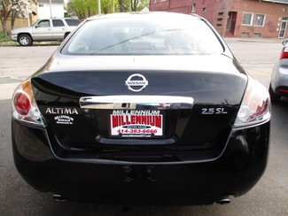 2011 Nissan Altima 2.5 SL Milwaukee, Wisconsin 4