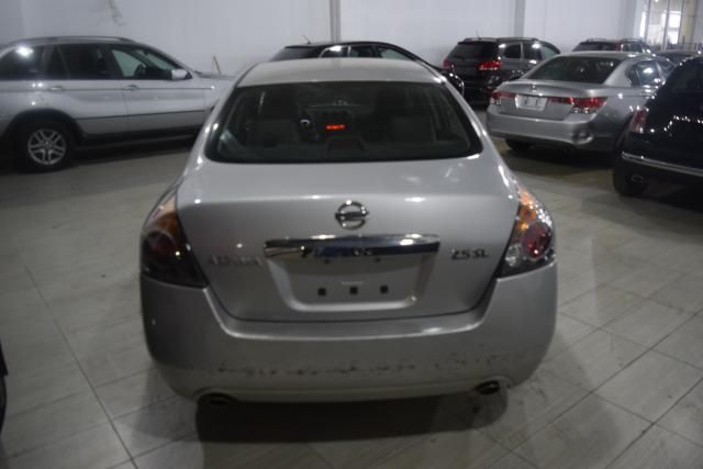 2011 Nissan Altima 2.5 SL Richmond Hill, New York 3