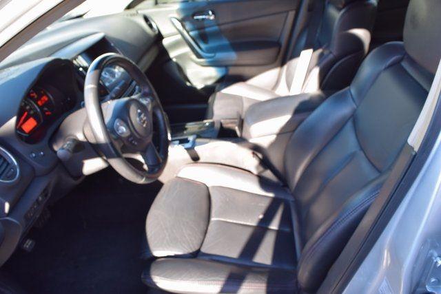 2011 Nissan Maxima 3.5 SV Richmond Hill, New York 11