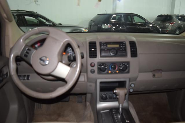 2011 Nissan Pathfinder S Richmond Hill, New York 6