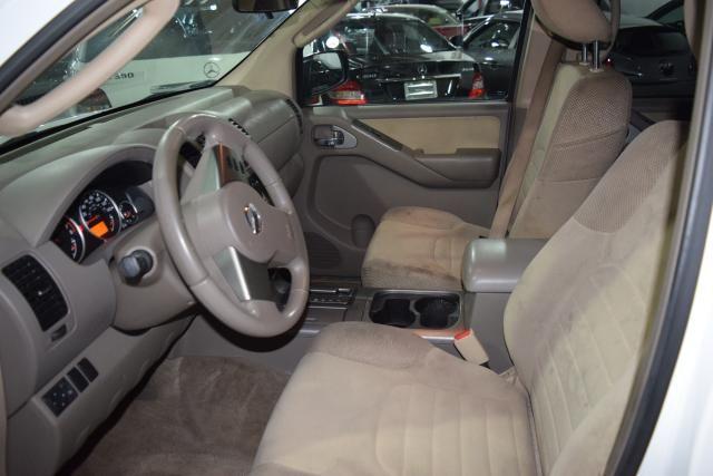 2011 Nissan Pathfinder S Richmond Hill, New York 7