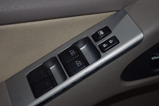 2011 Nissan Pathfinder S Richmond Hill, New York 8