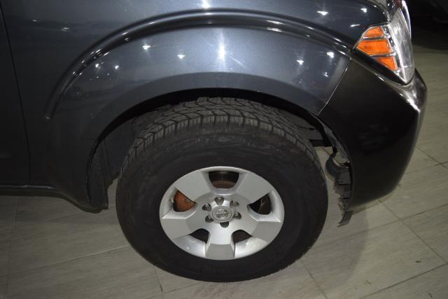 2011 Nissan Pathfinder S Richmond Hill, New York 4