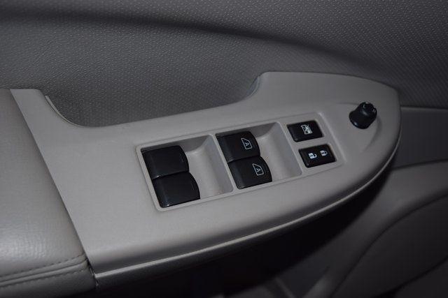 2011 Nissan Quest SL Richmond Hill, New York 25