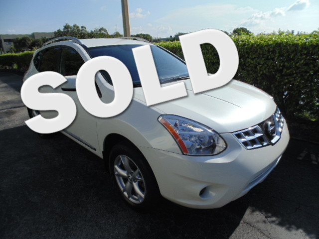 2011 Nissan Rogue SV This 2011 NISSAN ROUGE SV is a 1-owner non-smoker florida sporty car and i