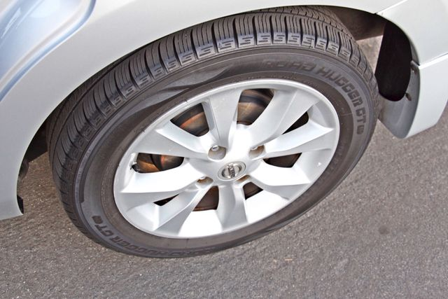 2011 Nissan SENTRA 2.0 SL SEDAN FULLY LOADED LEATHER ALLOY WHLS 1-OWNER SERVICE RECORDS NEW TIRES Woodland Hills, CA 12