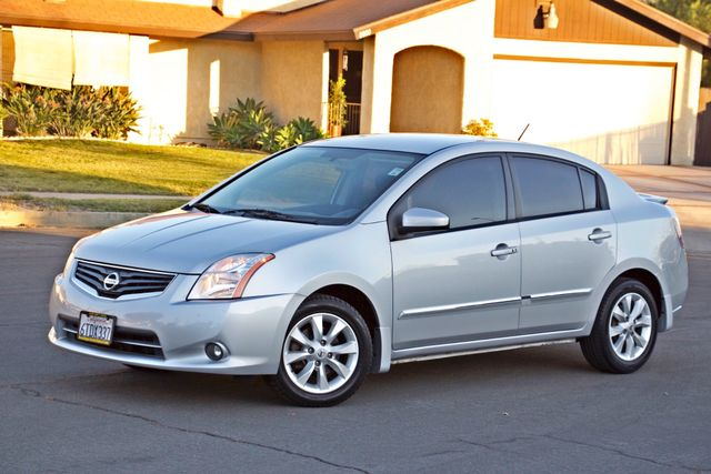 2011 Nissan SENTRA 2.0 SL SEDAN FULLY LOADED LEATHER ALLOY WHLS 1-OWNER SERVICE RECORDS NEW TIRES Woodland Hills, CA 1