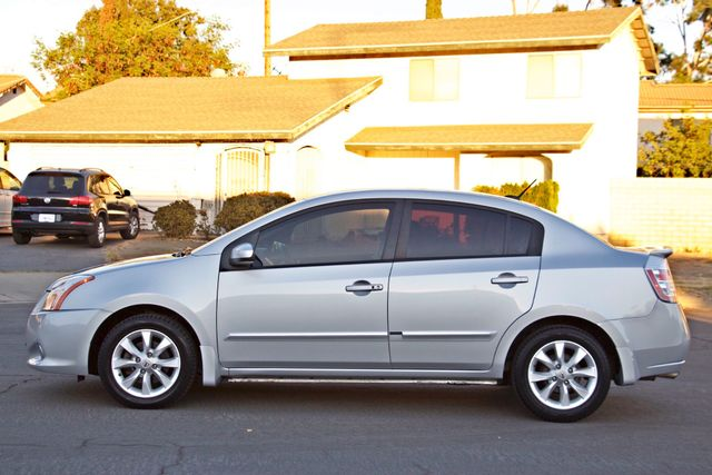 2011 Nissan SENTRA 2.0 SL SEDAN FULLY LOADED LEATHER ALLOY WHLS 1-OWNER SERVICE RECORDS NEW TIRES Woodland Hills, CA 2