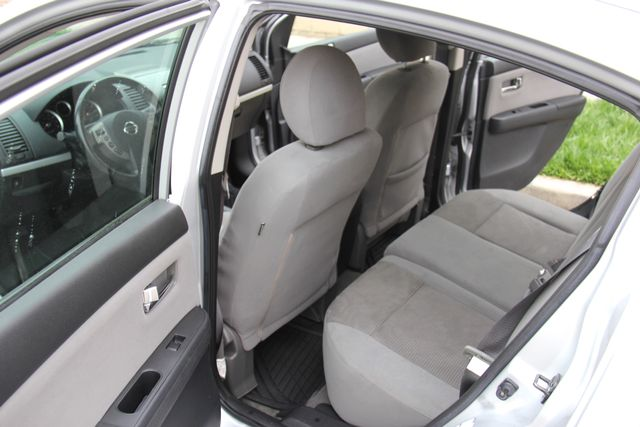 2011 Nissan Sentra 2.0 SR Reseda, CA 9