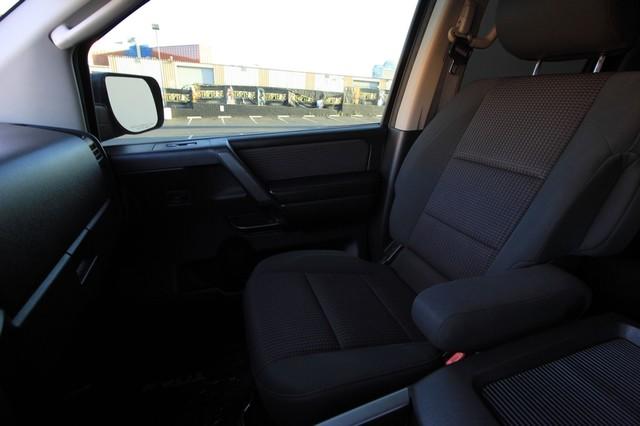 2011 Nissan Titan* 4X4* BOSE* BEDLINER* LIFT & WHEELS* CUSTOM SV* AUTO* TOW PKG* CREW* LOADED* LOW MI Las Vegas, Nevada 13