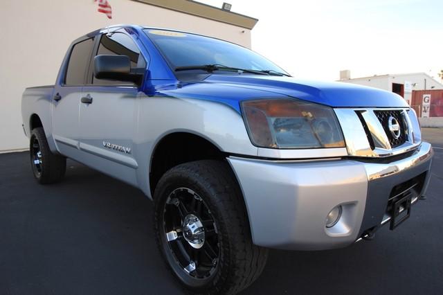 2011 Nissan Titan* 4X4* BOSE* BEDLINER* LIFT & WHEELS* CUSTOM SV* AUTO* TOW PKG* CREW* LOADED* LOW MI Las Vegas, Nevada 2