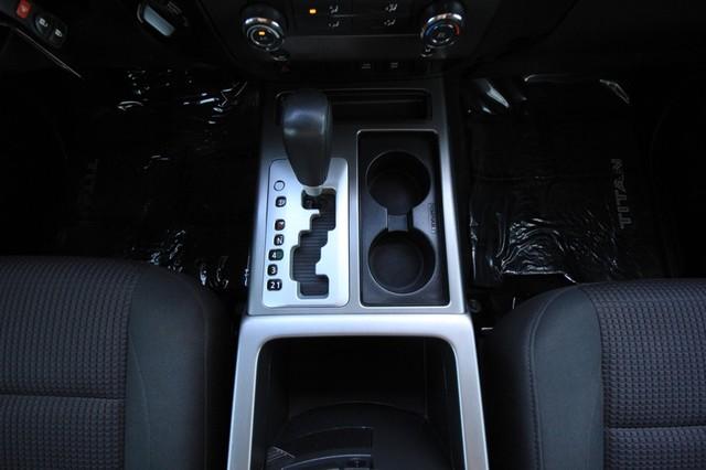 2011 Nissan Titan* 4X4* BOSE* BEDLINER* LIFT & WHEELS* CUSTOM SV* AUTO* TOW PKG* CREW* LOADED* LOW MI Las Vegas, Nevada 22