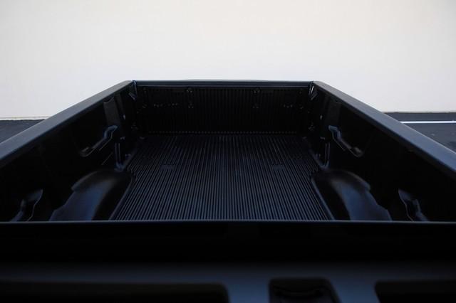 2011 Nissan Titan* 4X4* BOSE* BEDLINER* LIFT & WHEELS* CUSTOM SV* AUTO* TOW PKG* CREW* LOADED* LOW MI Las Vegas, Nevada 24