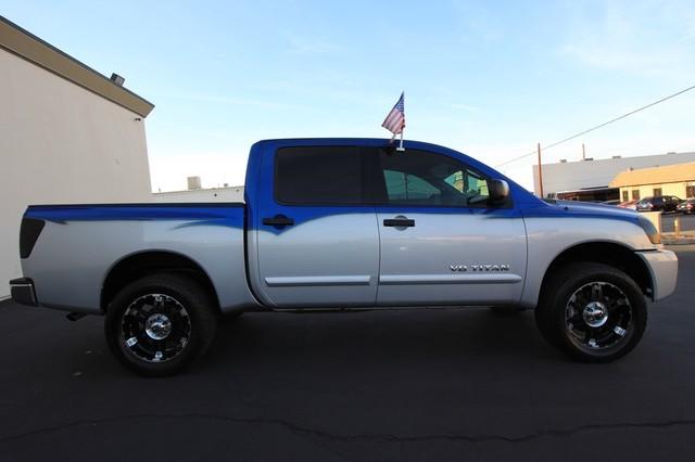 2011 Nissan Titan* 4X4* BOSE* BEDLINER* LIFT & WHEELS* CUSTOM SV* AUTO* TOW PKG* CREW* LOADED* LOW MI Las Vegas, Nevada 3