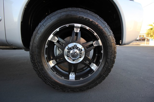 2011 Nissan Titan* 4X4* BOSE* BEDLINER* LIFT & WHEELS* CUSTOM SV* AUTO* TOW PKG* CREW* LOADED* LOW MI Las Vegas, Nevada 31