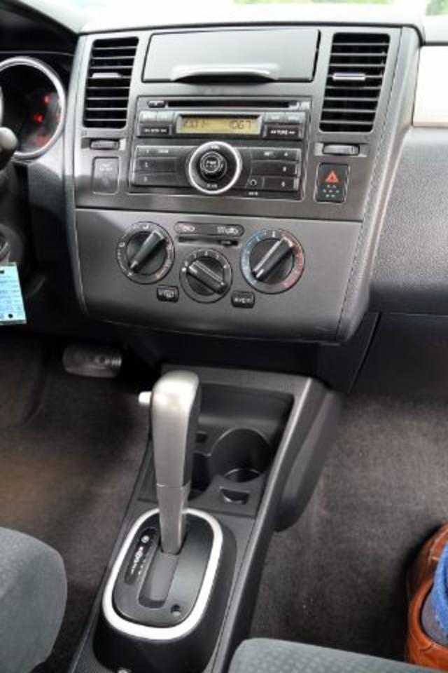 2011 Nissan Versa 1.8 S San Antonio , Texas 11