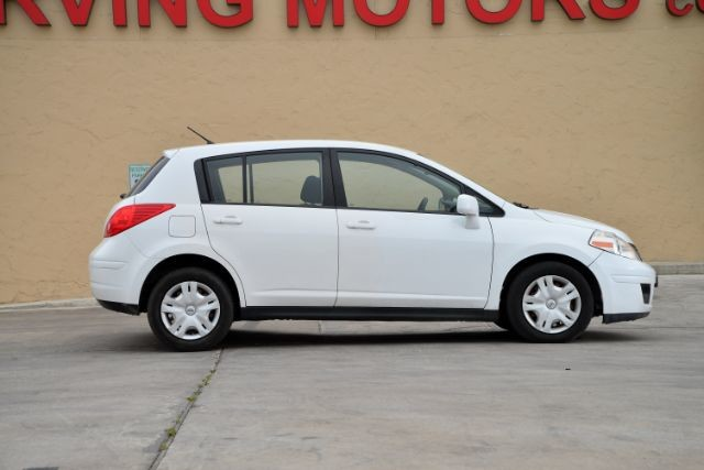 2011 Nissan Versa 1.8 S San Antonio , Texas 4