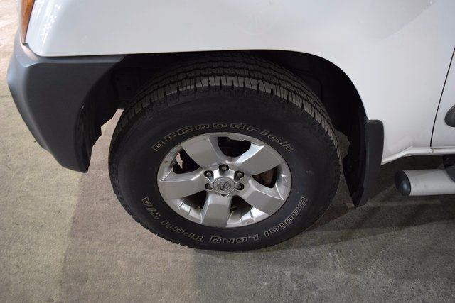 2011 Nissan Xterra S Richmond Hill, New York 3
