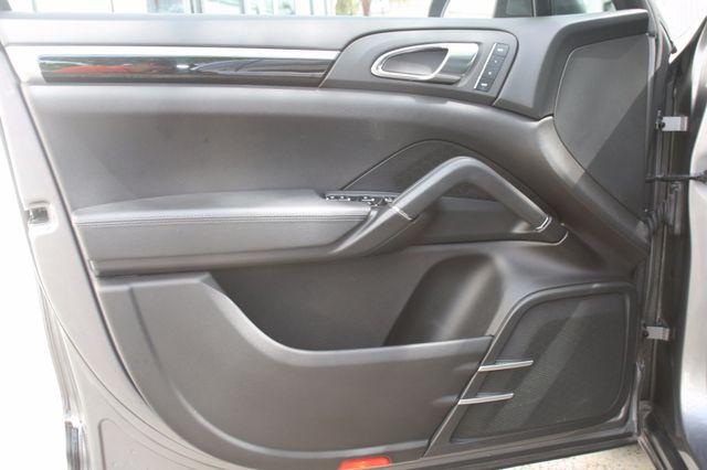 2011 Porsche Cayenne Houston, Texas 26