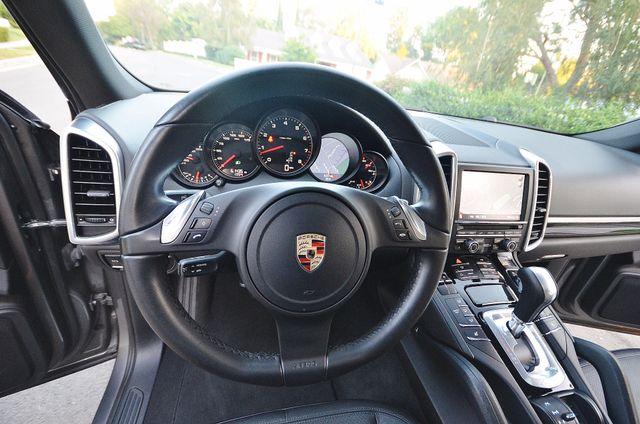 2011 Porsche Cayenne Reseda, CA 3