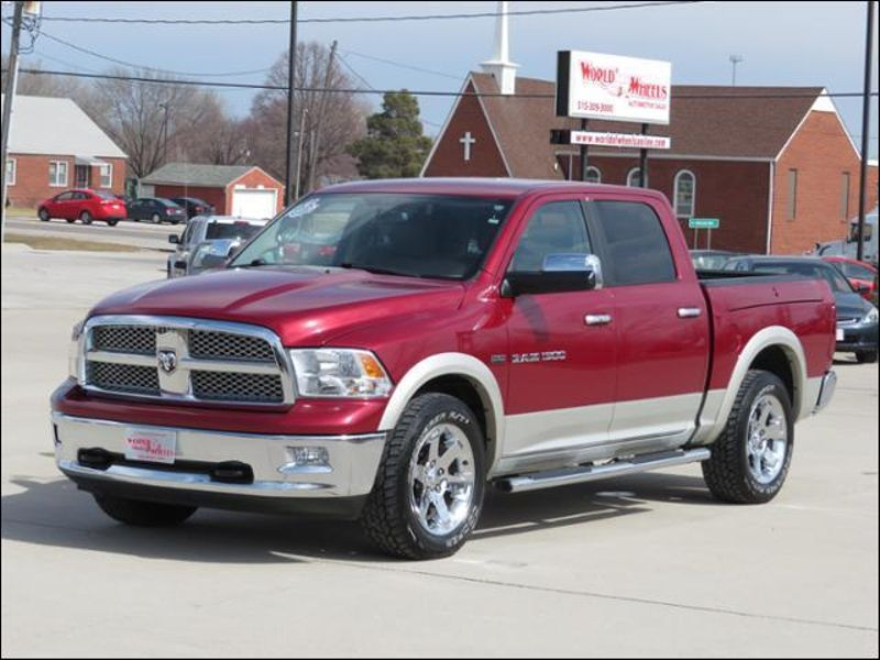 2011 Ram 1500 Laramie Crew Cab 4WD Leather/RAMBOX/Navigation  in Ankeny IA