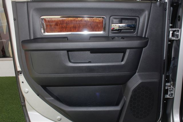 2011 Ram 2500 Laramie Crew Cab 4x4 - LIFTED - SINSTER DIESEL! Mooresville , NC 43