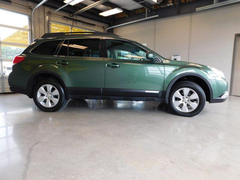 2011 Subaru Outback 25i Prem AWPPwr Moon  city TN  Doug Justus Auto Center Inc  in Airport Motor Mile ( Metro Knoxville ), TN