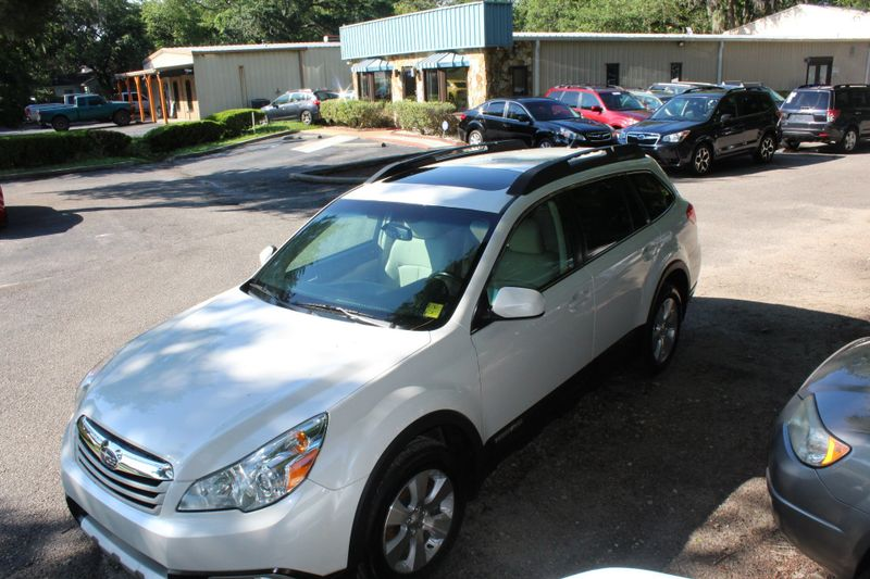 2011 Subaru Outback 3.6R Limited Pwr Moon | Charleston, SC | Charleston Auto Sales in Charleston SC