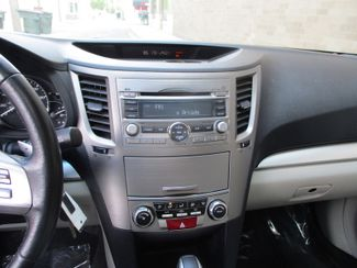 2011 Subaru Outback 2.5i Prem AWP/Pwr Moon Farmington, Minnesota 6