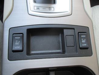 2011 Subaru Outback 2.5i Prem AWP/Pwr Moon Farmington, Minnesota 8