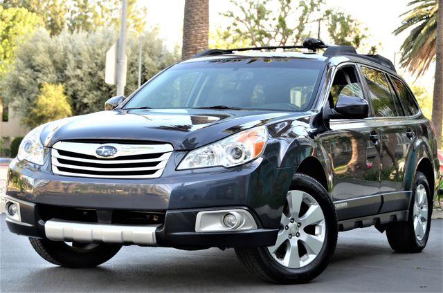2011 Subaru Outback 2.5i Limited Pwr Moon Reseda, CA 1
