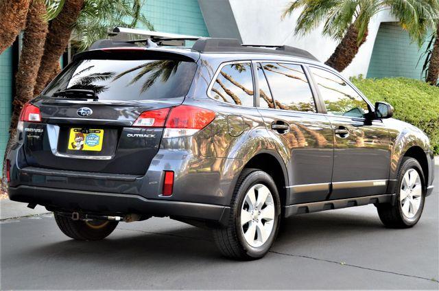 2011 Subaru Outback 2.5i Limited Pwr Moon Reseda, CA 4