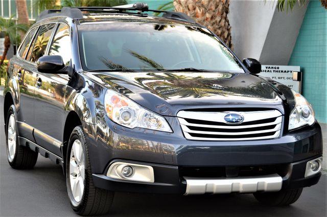 2011 Subaru Outback 2.5i Limited Pwr Moon Reseda, CA 23