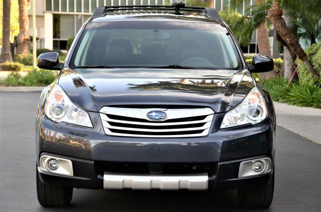 2011 Subaru Outback 2.5i Limited Pwr Moon Reseda, CA 24