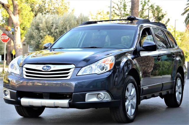 2011 Subaru Outback 2.5i Limited Pwr Moon Reseda, CA 25