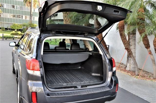 2011 Subaru Outback 2.5i Limited Pwr Moon Reseda, CA 29