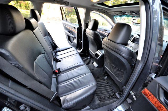 2011 Subaru Outback 2.5i Limited Pwr Moon Reseda, CA 32