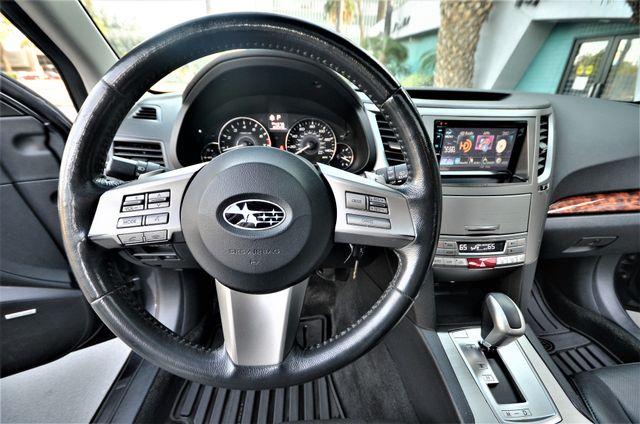 2011 Subaru Outback 2.5i Limited Pwr Moon Reseda, CA 10