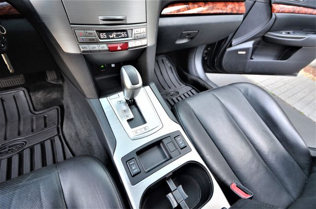 2011 Subaru Outback 2.5i Limited Pwr Moon Reseda, CA 15