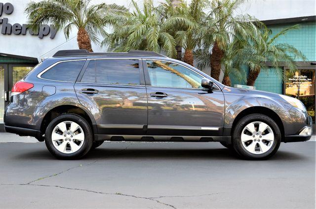 2011 Subaru Outback 2.5i Limited Pwr Moon Reseda, CA 19