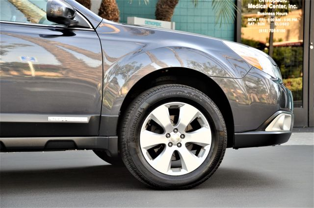 2011 Subaru Outback 2.5i Limited Pwr Moon Reseda, CA 20