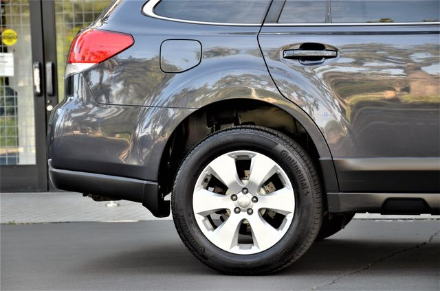 2011 Subaru Outback 2.5i Limited Pwr Moon Reseda, CA 21