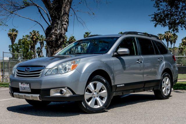 2011 Subaru Outback 3.6R Limited Reseda, CA 1
