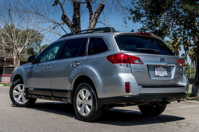 2011 Subaru Outback 3.6R Limited Reseda, CA 6